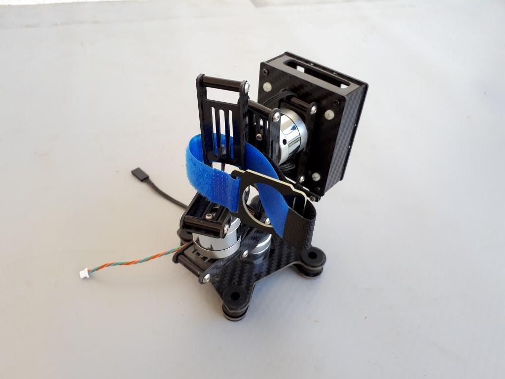 גימבל מצלמה לרחפן 3 מנועים. מייצב צילום אוטומאטי. כולל כרטיס, כבלים וכל האביזרים. חדש לחלוטין